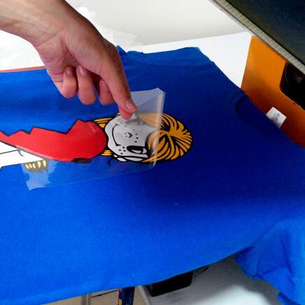 перенос пленки на ткань